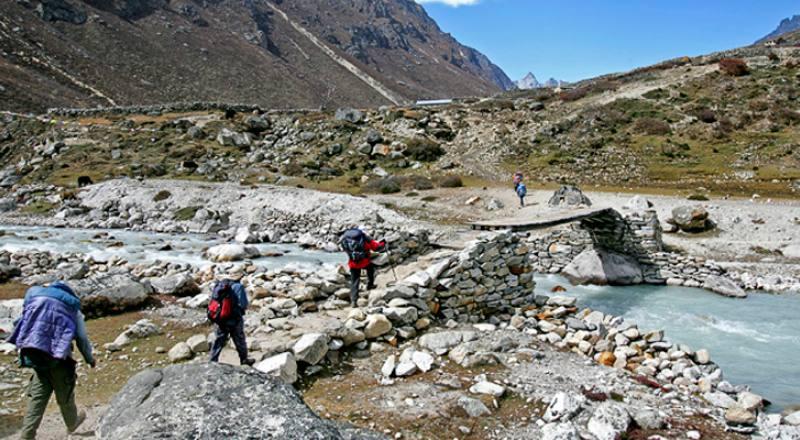 Gokyo Valley With Renjo La Pass Trek