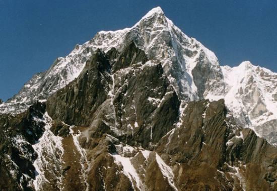 lobuche-east-peak-climbing.jpeg